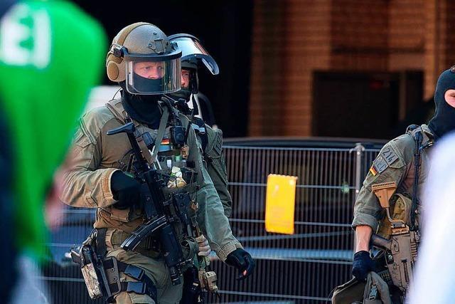 Polizei schließt nach Geiselnahme Terror-Hintergrund nicht aus