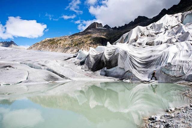 Schweizer Gletscher schmelzen in der Sonne dahin
