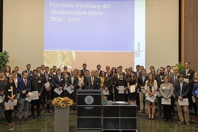 Uni-Rektor Schiewer eröffnet des Akademischen Jahr im Audimax