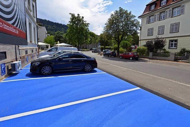 Fünf von sieben schlumpfblauen Parkplätze in der Wiehre bleiben
