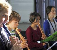 Blockflötennachwuchs der Jugendmusikschule Südlicher Breisgau nimmt Zuhörer mit auf eine musikalische Weltreise