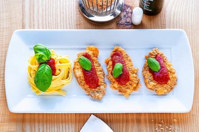 Hier bleibt der Pizzaofen kalt: Piccata Milanese mit Tomatentagliatelle