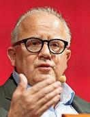 Fritz Keller bleibt SC-Präsident
