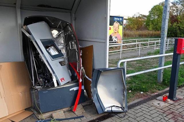 Ein 19-Jähriger stirbt bei Sprengung eines Automaten