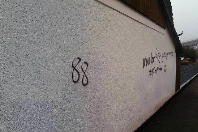 Fremdenfeindliche Parolen – Sprayer richten Schäden in Lörrach an