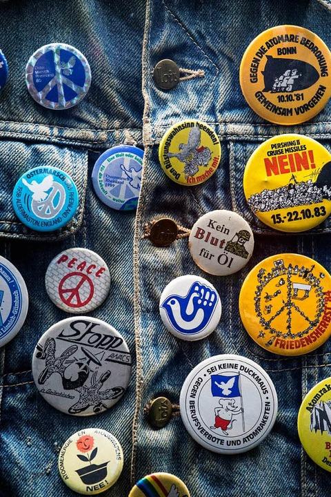 Buttons der Friedensbewegung   | Foto: DPA