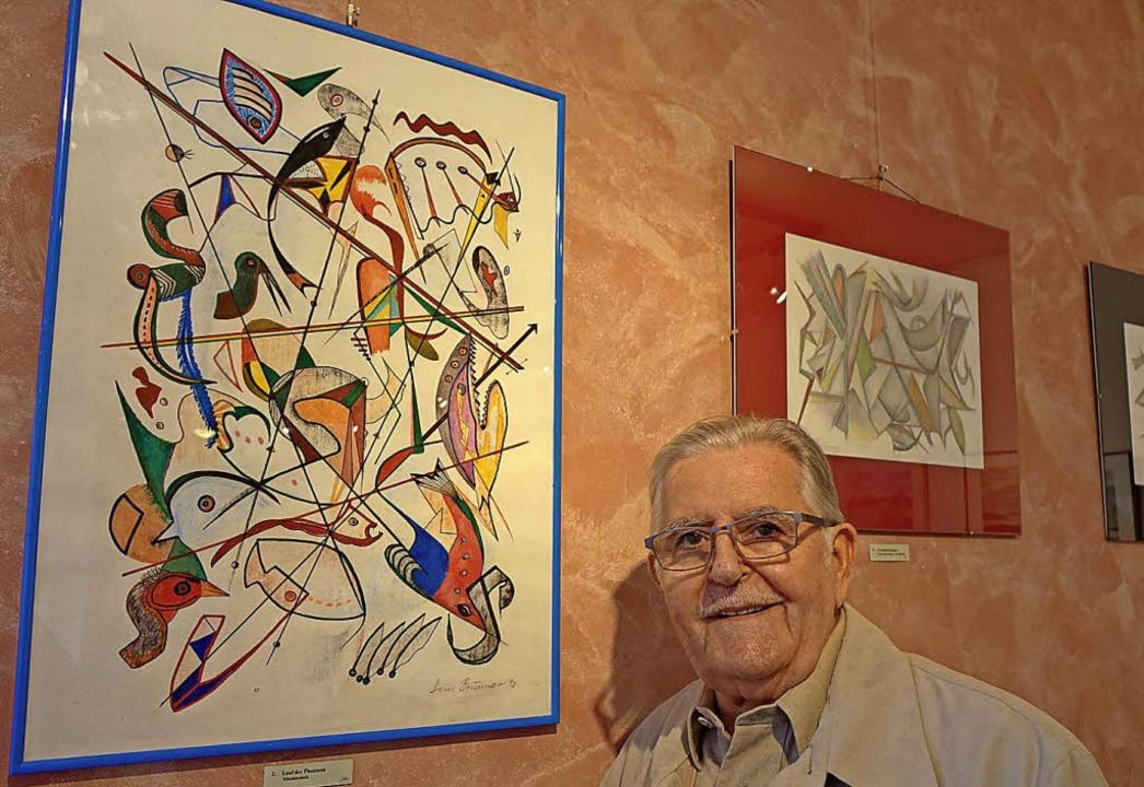 Hans Brunner vor einem seiner Werke im Weingut Ernst  | Foto: Roswitha Frey