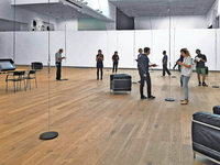 "Die unsichtbare Ausstellung ""Radiophonic Spaces"" im Basler Tinguely-Museum"