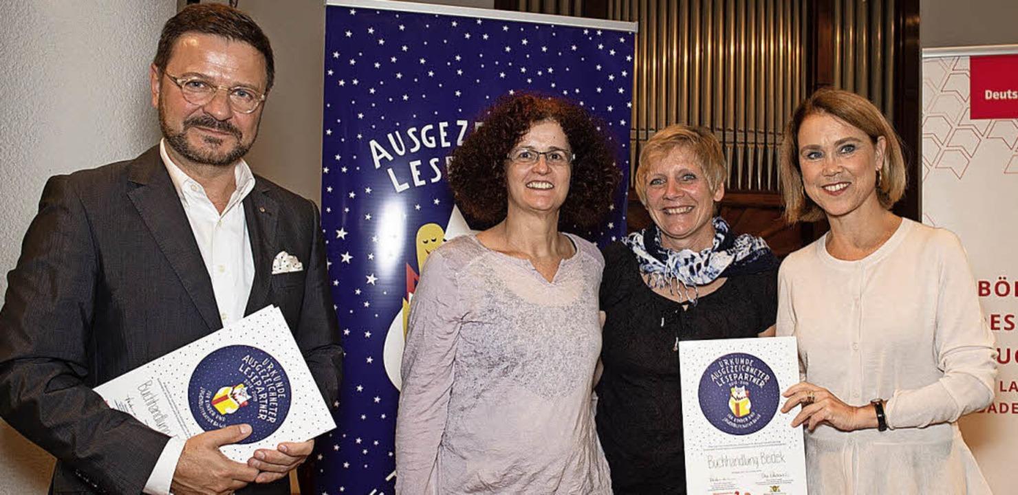Bei der Verleihung (v.l.):  Thomas Lin...ie   Staatssekretärin Petra Olschowski    Foto: Sandra wolf