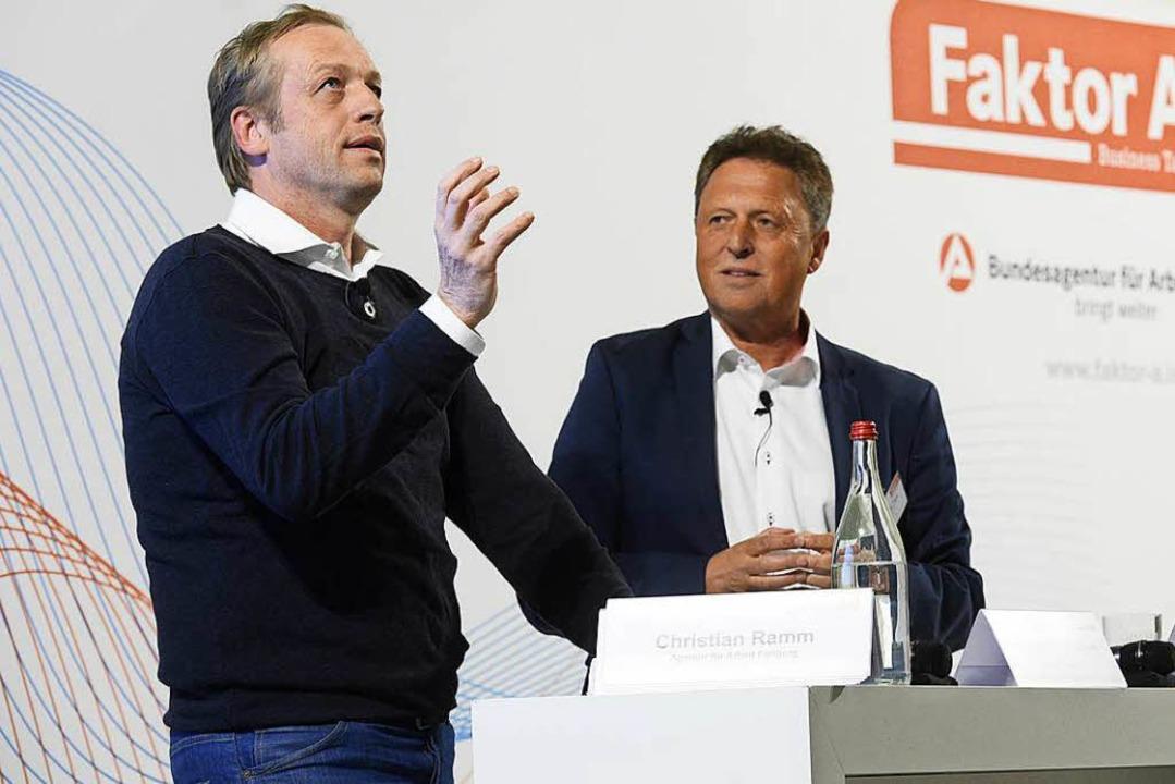 SC-Sportdirektor Klemens Hartenbach (links) mit Moderator Karlheinz Beck.   | Foto: Kunz