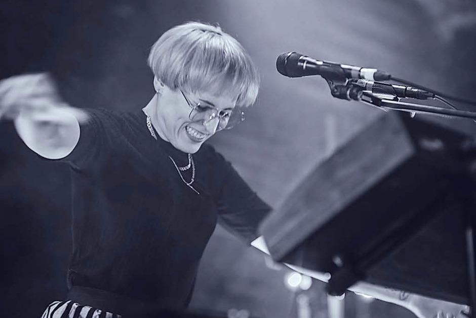 Sängerin Mine aus Stuttgart gab am Donnerstag ein außergewöhnliches Konzert im Jazzhaus. (Foto: Fabio Smitka)