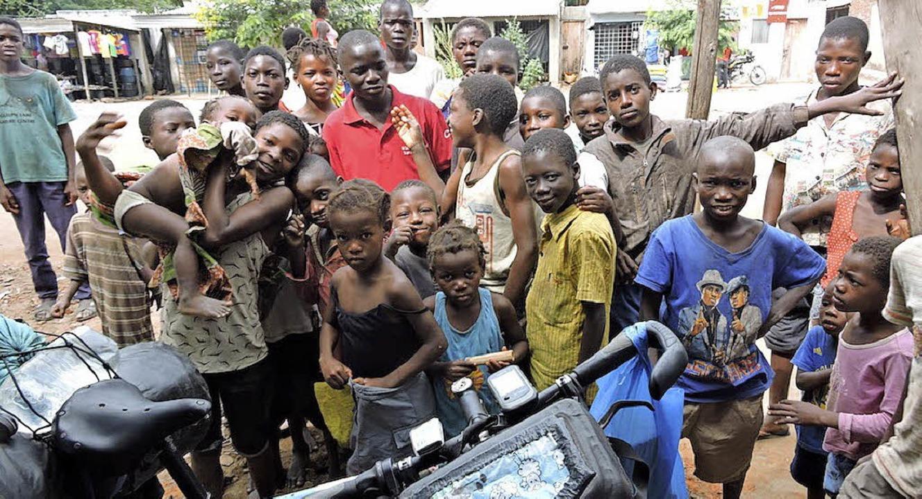 Auf ihrer Afrikatour hat Dorothee Fleck   die Menschen hautnah erlebt.   | Foto: Breithaupt/Fleck