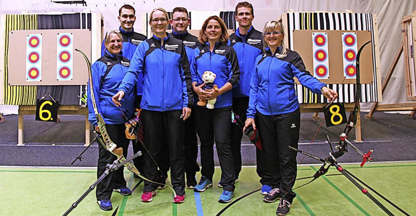 Die Zeller Regionalligamannschaft best...p. Nicht mit auf dem Bild Olga Fusek.   | Foto: Privat