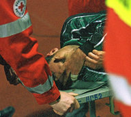 Ein Zuschauer rettet den Junioren-Torwart