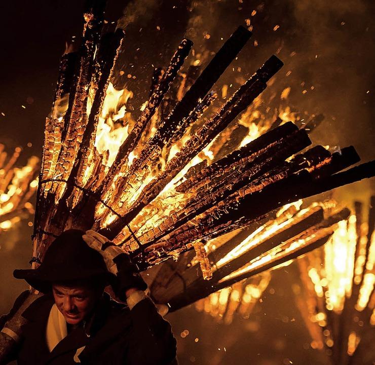 Auch beim Chienbäse-Umzug soll gemordet werden.     Foto: AFP