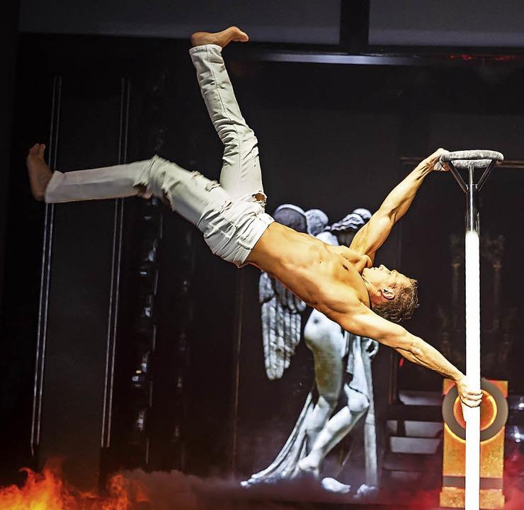 Anton Yachuk bei einem Auftritt im Sho...m der Night-Beat-Angels im Europa-Park  | Foto: Frank Baudy/Europa-Park