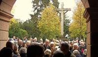 """Viel los beim """"Tag des Alten Friedhofs"""""""