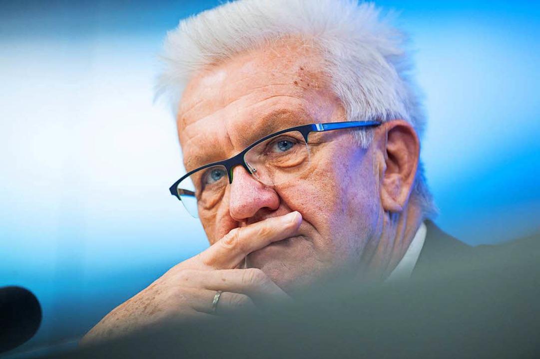 Er verstehe, dass die Menschen empört ...schwarzen Halbzeitbilanz in Stuttgart.  | Foto: dpa