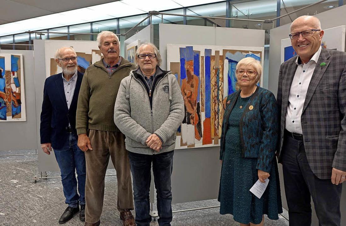Kunst im Zeichen der Partnerstadt Féca... Billiaux und Rolf Karrer (von links)   | Foto: Roswitha Frey