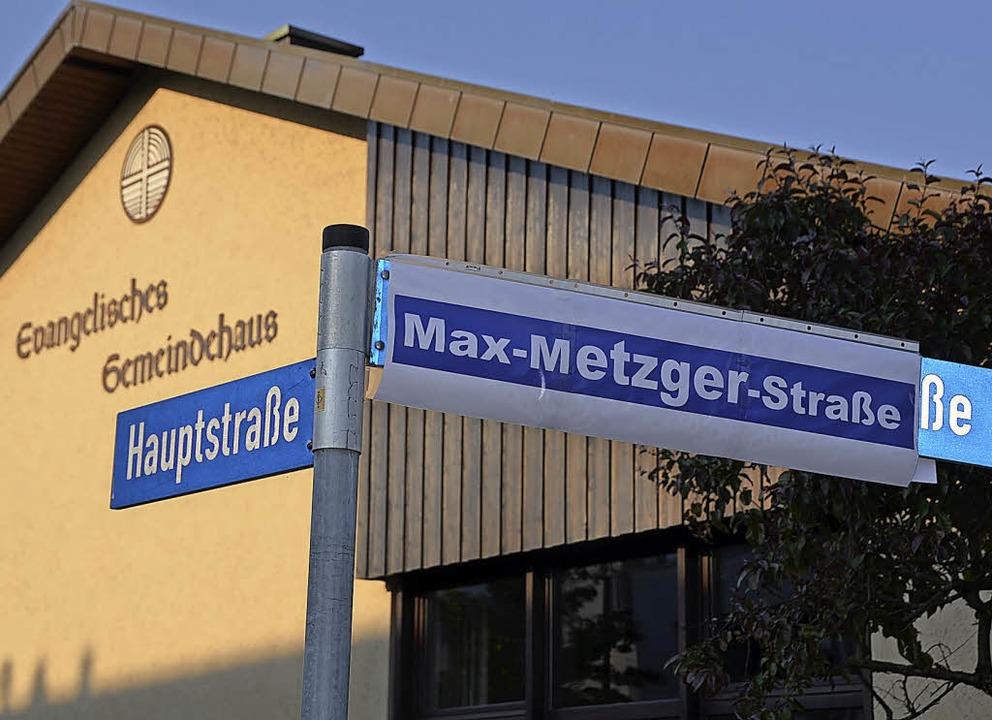 Auch in Efringen-Kirchen gibt es eine ...sos forderten damals eine Umbenennung.  | Foto: Markus Maier