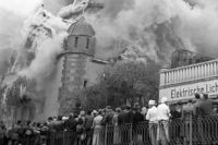 """Der erschütternde Fotoband """"Pogrom 1938. Das Gesicht in der Menge"""""""