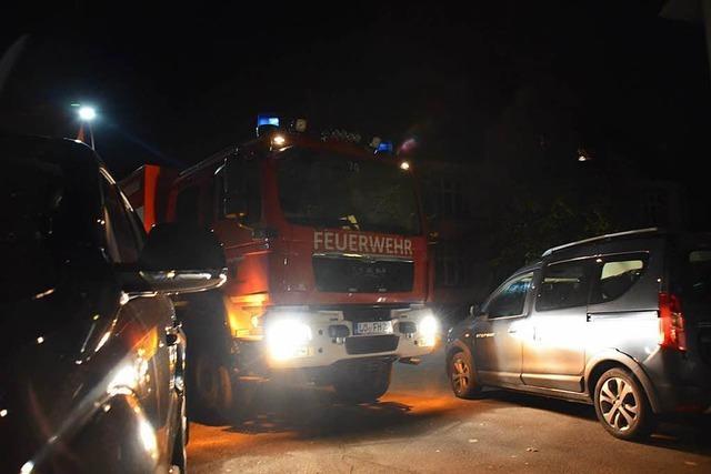 Kein Durchkommen in Hausen – unterwegs mit der Feuerwehr