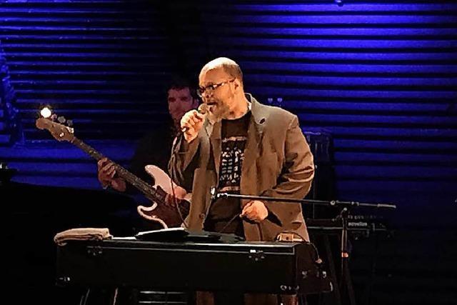 Bestens eingespielt: So war's bei Ed Motta im Jazzhaus