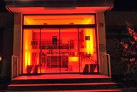 """Künstler """"besetzen"""" leerstehende Bank in Denzlingen – mit Kunstausstellung zum Thema Geld"""