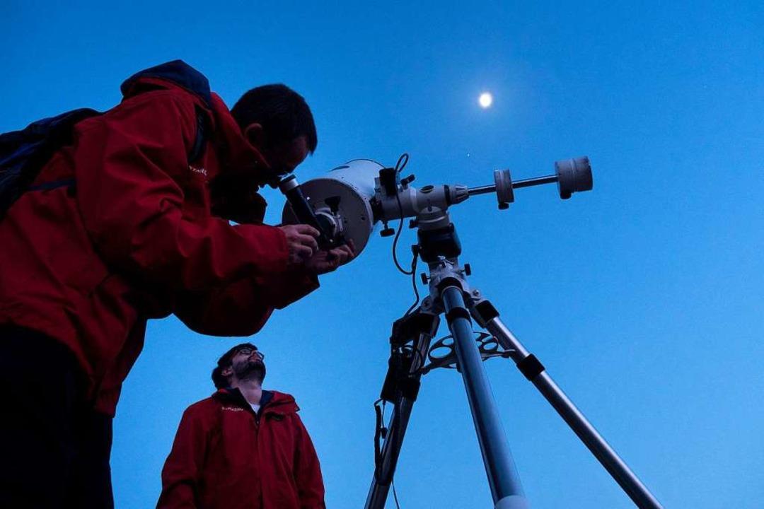 Sternbeobachtung mit den Profis:  Migu...z (links) und Rodrigo Delgado Salvador    Foto: Andrea Drouve
