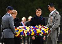 Gedenken an Weltkriegsende: Macron und Merkel in Compiègne