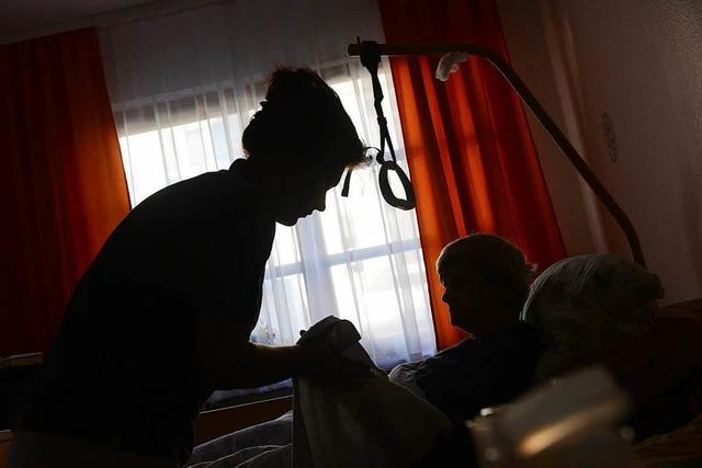Fünfeinhalb Jahre Haft für Pflegerin, die Heimbewohnerin ersticken wollte