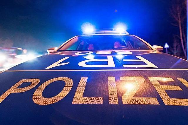 Seit Monaten Straftaten auf Abstellplatz eines Rickenbacher Autohauses