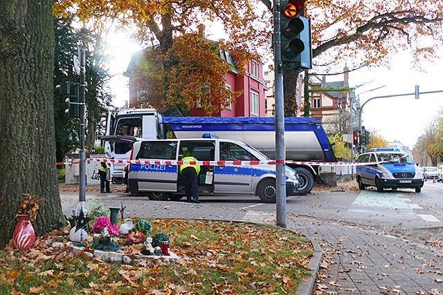 Radfahrer stirbt bei Kollision mit Lastwagen in Offenburg