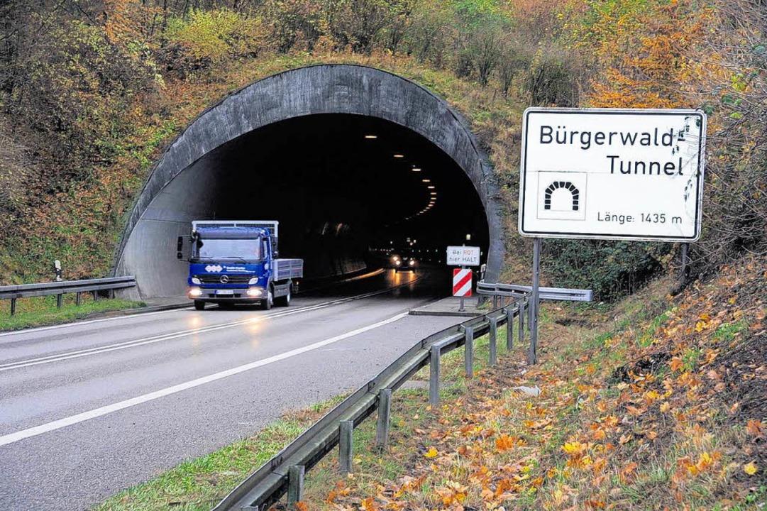 Der Bürgerwald-Tunnel ist eine wichtig...Tiengen. Am Dienstag wird er gesperrt.    Foto: Edinger