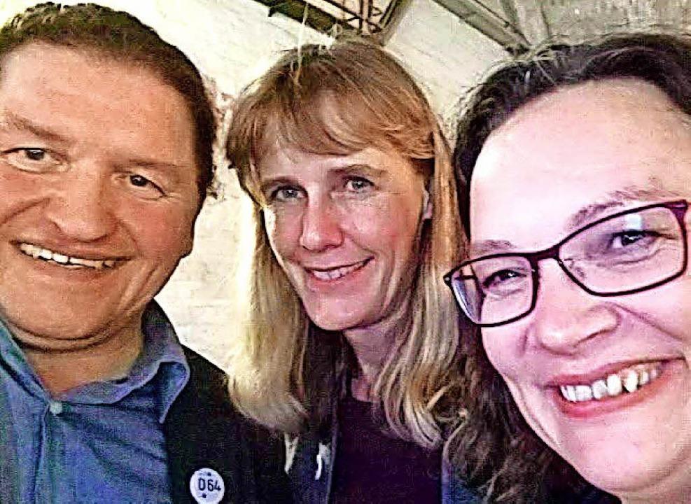 Selfie mit Parteichefin: Oswald Prucke...önnecke mit Andrea Nahles (von links)   | Foto: Privat