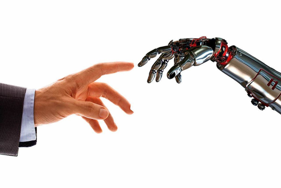 Mensch und Roboter werden künftig enger zusammenarbeiten.    Foto: Adobe