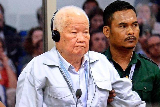 Rote Khmer wegen Völkermords zu lebenslanger Haft verurteilt