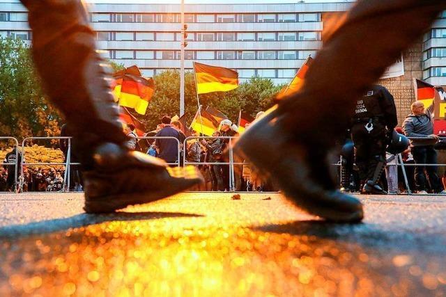 Liveblog: Merkel besucht Chemnitz - Rechte wollen demonstrieren