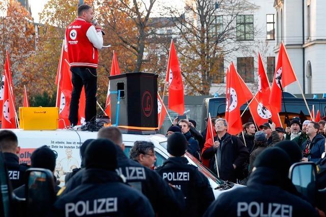 Liveblog: Merkel besucht Chemnitz - Rechte demonstrieren