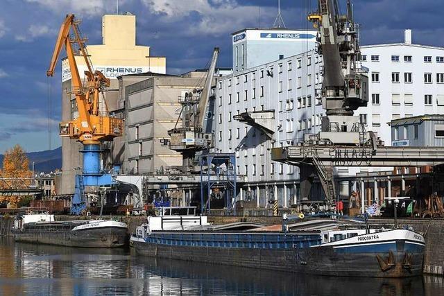 Die Rheinhäfen in Basel leiden unter dem niedrigen Wasserstand