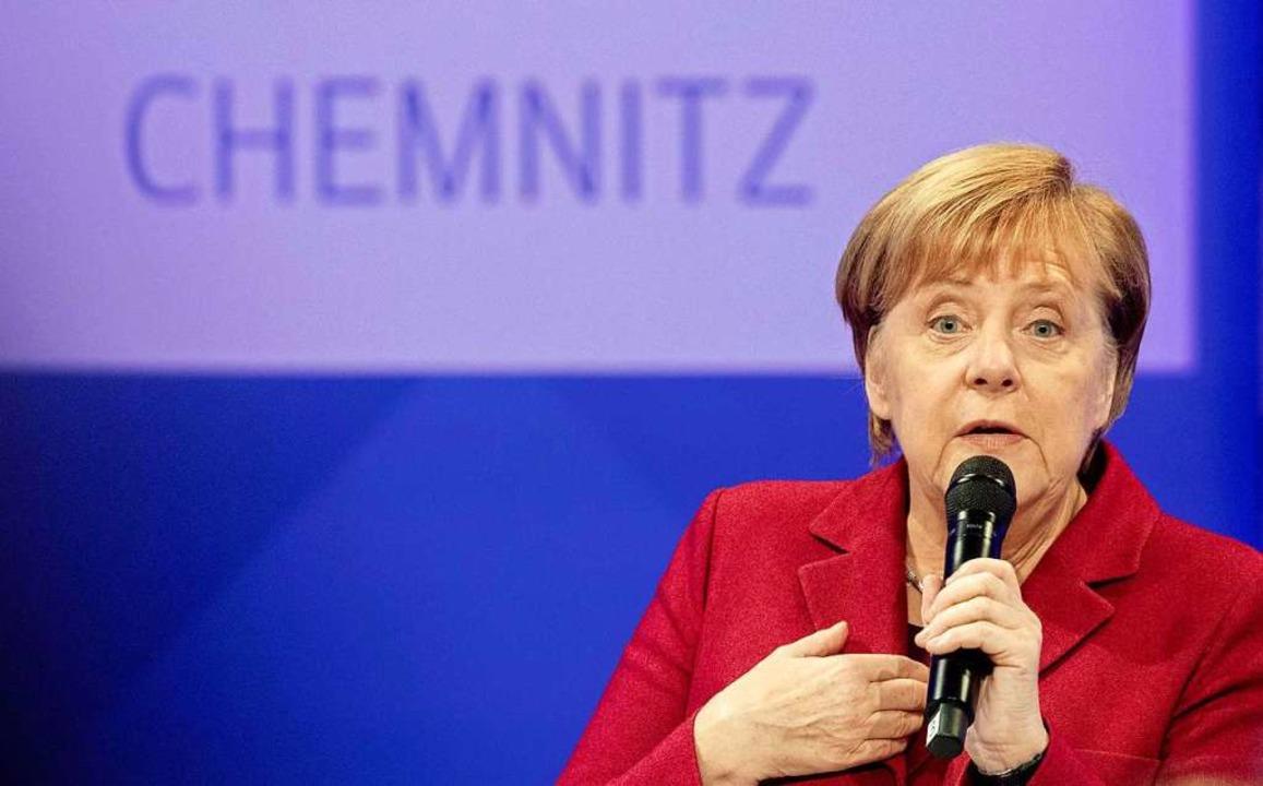 Angela Merkel stellte sich in Dresden den Fragen von Zeitungslesern. AFP  | Foto: AFP