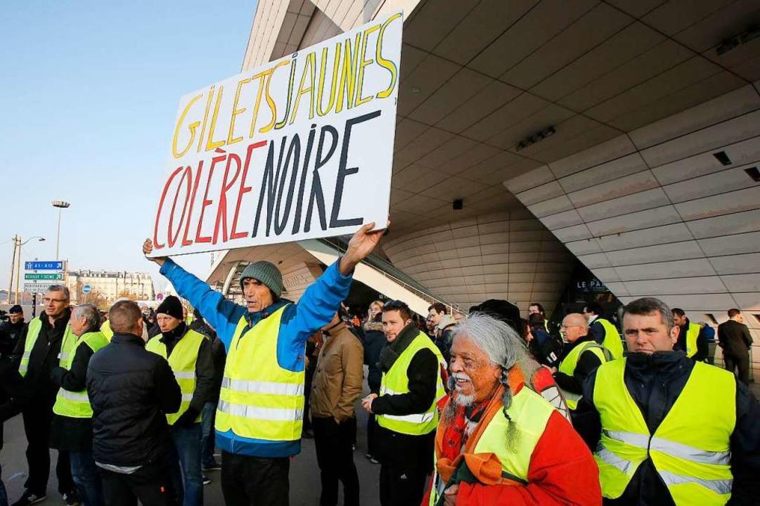 Proteste in Frankreich: Demonstrantin wird an Straßenblockade überfahren und stirbt