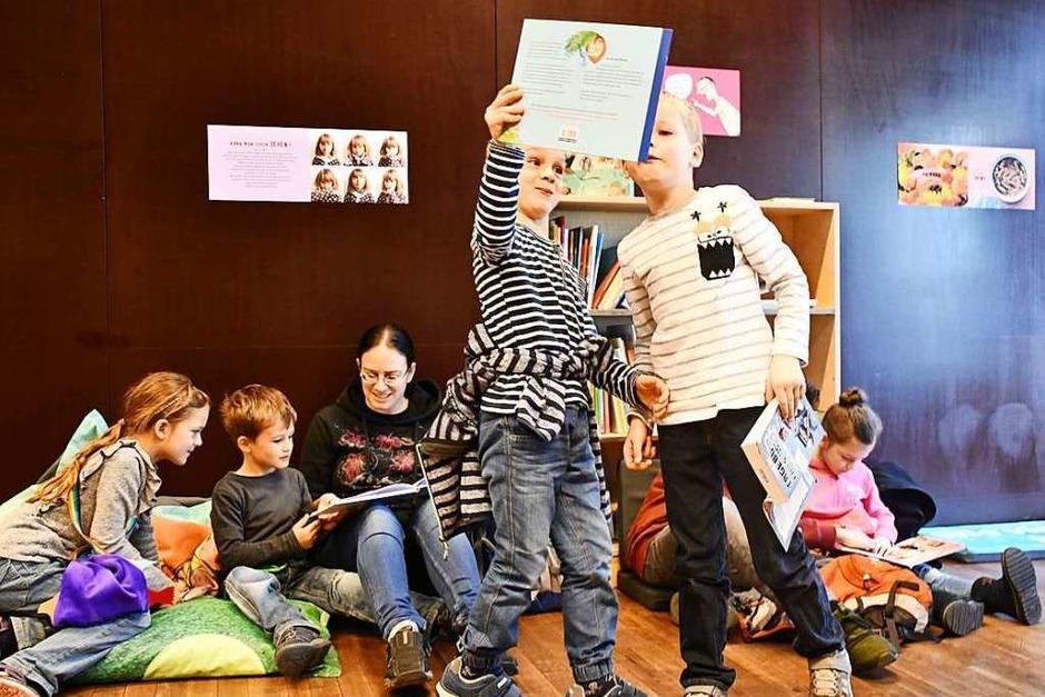 Bunt und lebendig ging es zu auf der Kinderbuchmesse Lörracher Leselust (Foto: Barbara Ruda)