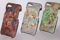 Drei junge Leute aus Kürnberg stellen Handyhüllen aus recyceltem Plastik her