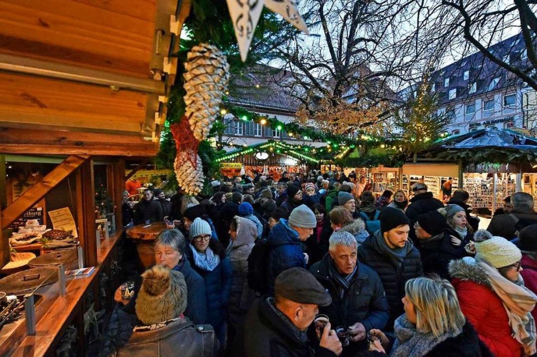 Die neuen festen Weihnachtsmarkttermin...Koch vom Schaustellerverband Freiburg.  | Foto: Michael Bamberger