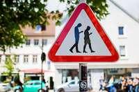 Das Telefonieren auf dem Heimweg vom Arbeitsplatz ist nicht versichert