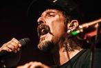 Fotos: Der Sänger Wirtz spielte im Freiburger E-Werk