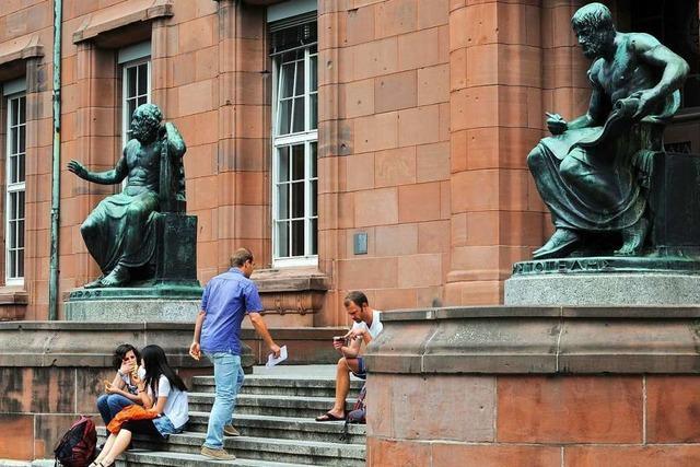 Zahl der Studierenden an der Uni Freiburg geht leicht zurück