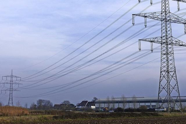 Neue Strommasten für stärkeres Netz