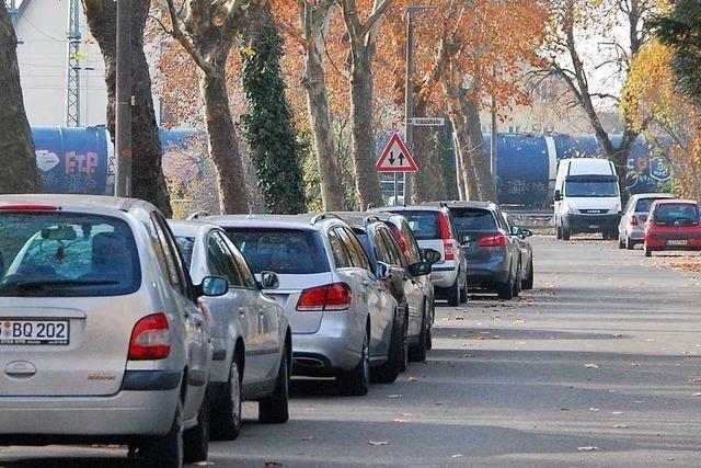 Ärger über parkplatzsuchende Pendler in Haltingen